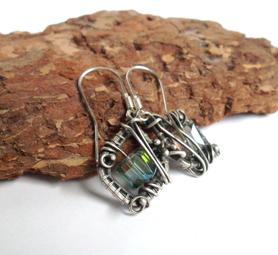 Kolczyki szafirowe kostki w srebrze