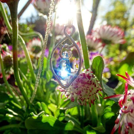 Srebrny naszyjnik z kryształkiem swarovskiego (1)